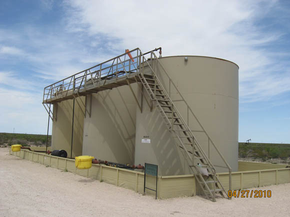 Image of Fabricated containment around tanks and above ground load line containment